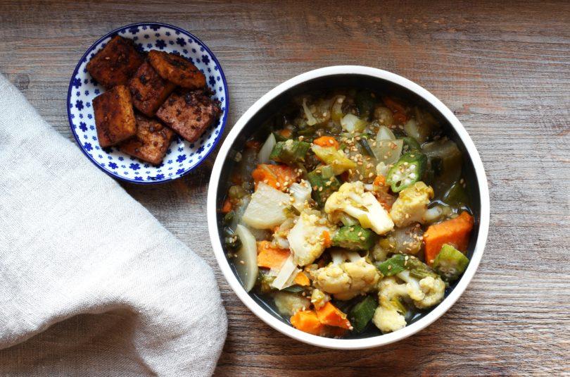 Soupe d'hiver aux épices thaï et tofu snacké