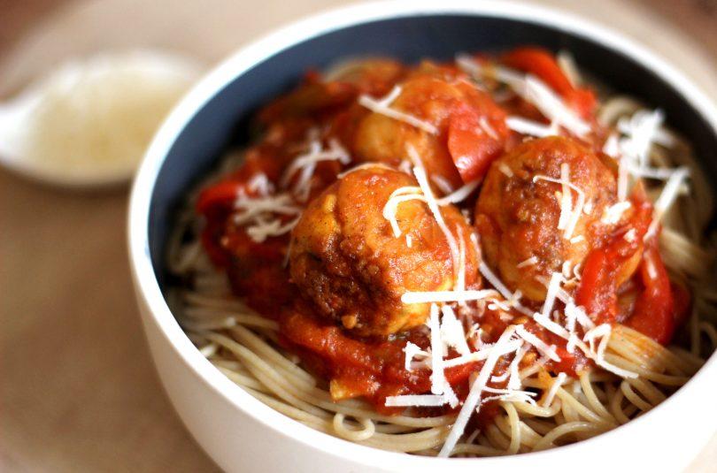 Spaghettis et boulettes de poulet
