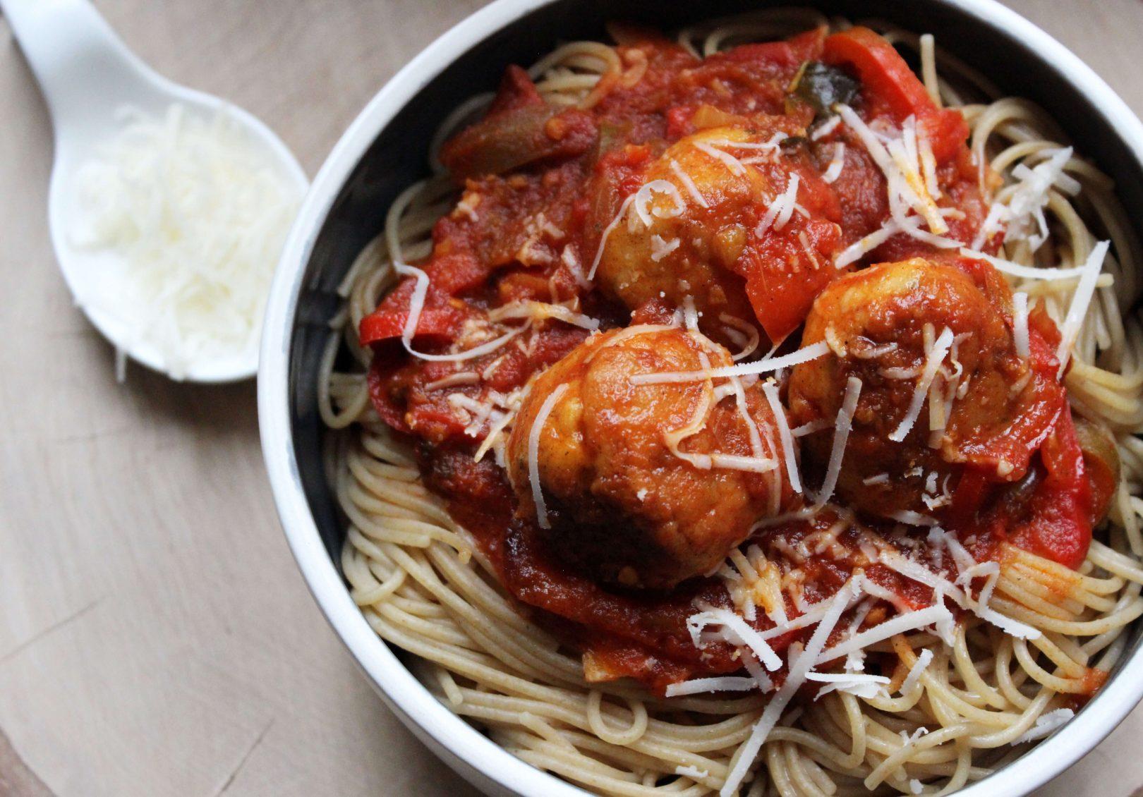 spaghettis-chichen-meatballs