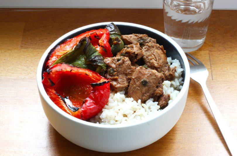 Poulet au miso riz thaï et poivrons rôtis