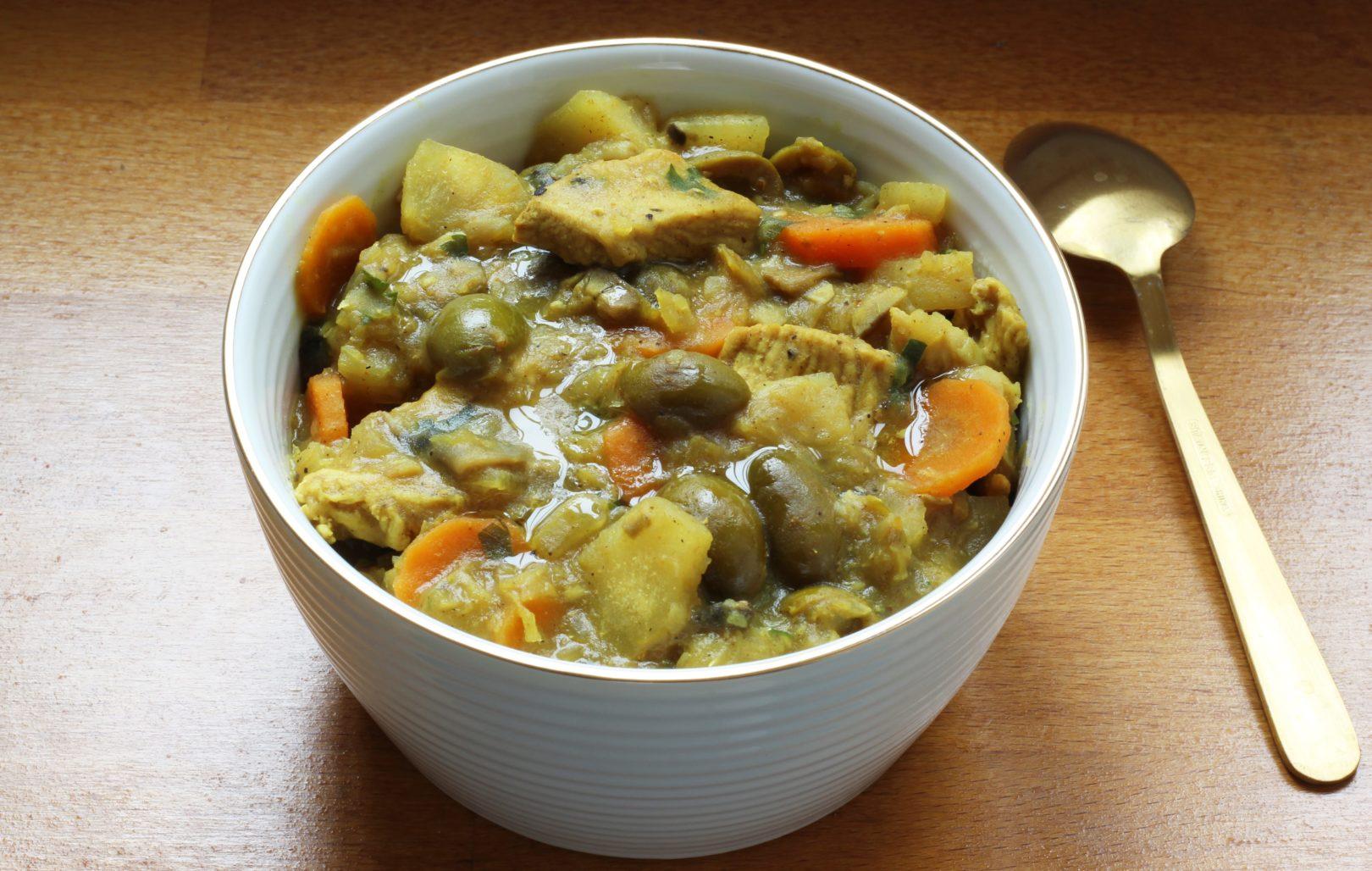 ragout-de-poulet-aux-olives-et-manioc