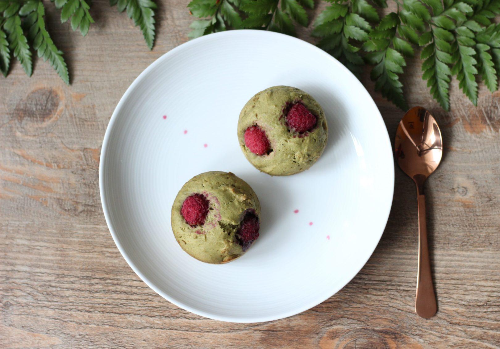 muffins-matcha-framboises-de-haut